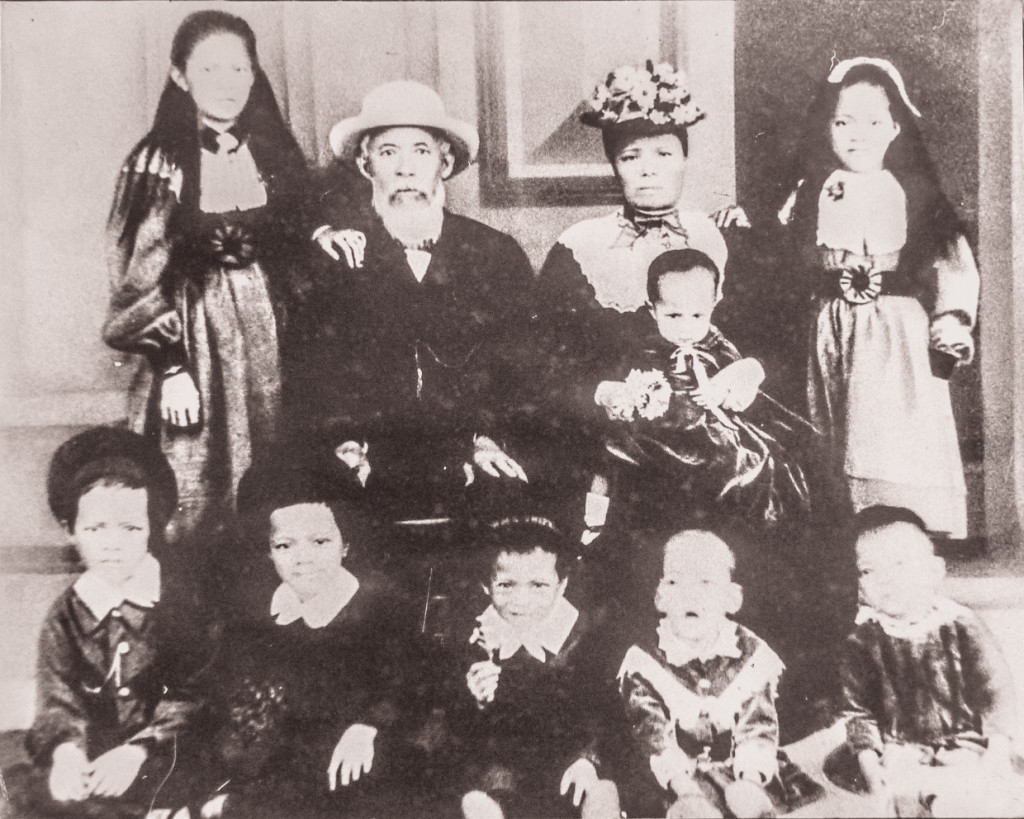 Moy Bak Ling With Family Image Courtesy Fiji Museum
